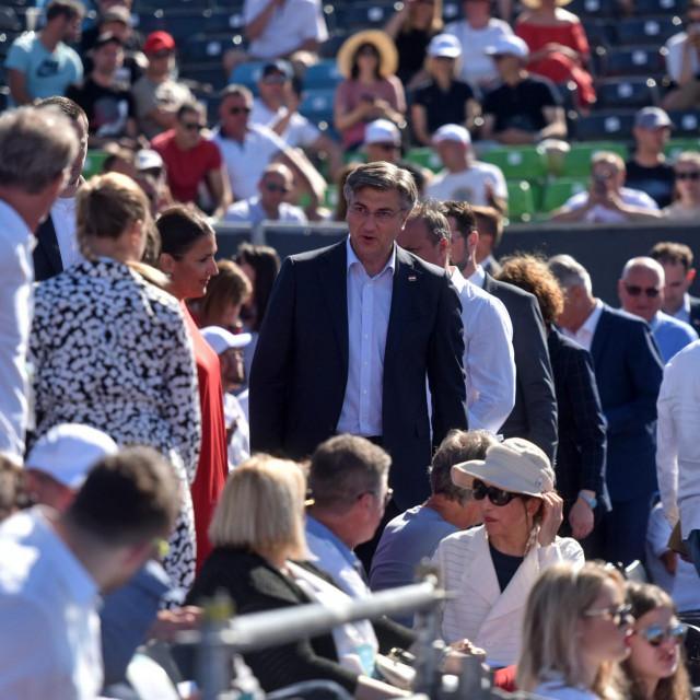Premijer Andrej Plenković na tribinama uoči drugog meča grupne faze Adria toura u skupini A između Novaka Djokovica i Peđe Krstina