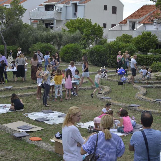 Kultura u điru u parki na Gorici