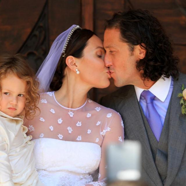 """Fabiola Beracasa i Jason Beckman s djetetom u Dubrovniku 2014. na """"vjenčanju stoljeća""""<br />"""
