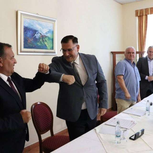 Potpisan ugovor o radovima na izgradnji Dnevne bolnice u Metkoviću