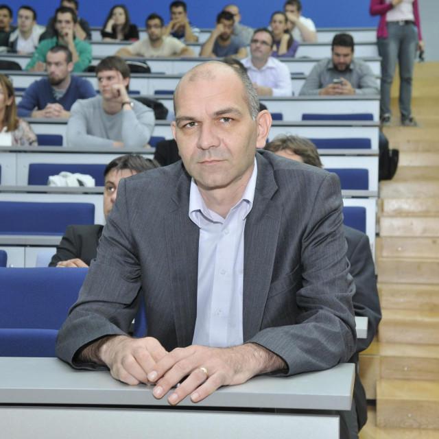 Srdjan Podrug ponovno je izabran za dekana FESB-a