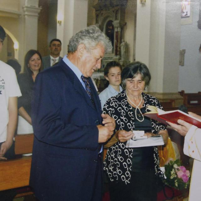 Dinko i Anka Zorka Zdilar kada su obilježavali 50. obljetnicu braka. Za dijamantni nisu mogli biti zajedno