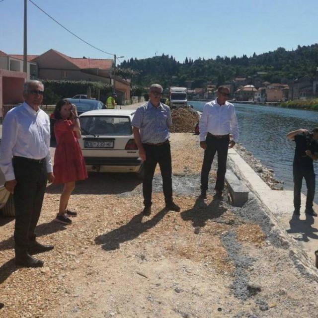 Župan Nikola Dobroslavić obišao je lokacije nekoliko projekata koji se trenutno provode u dolini Neretve.