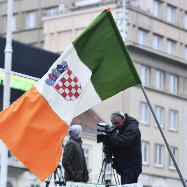 Hrvati sve masovnije napuštaju Irsku. Odlaze čak i Irci jer masovno ostaju bez posla