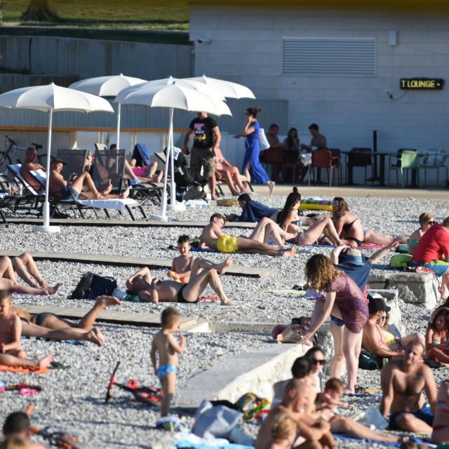 plaža, kupači, Uvala Lapad, kupanje, Dubrovnik, špica, subota