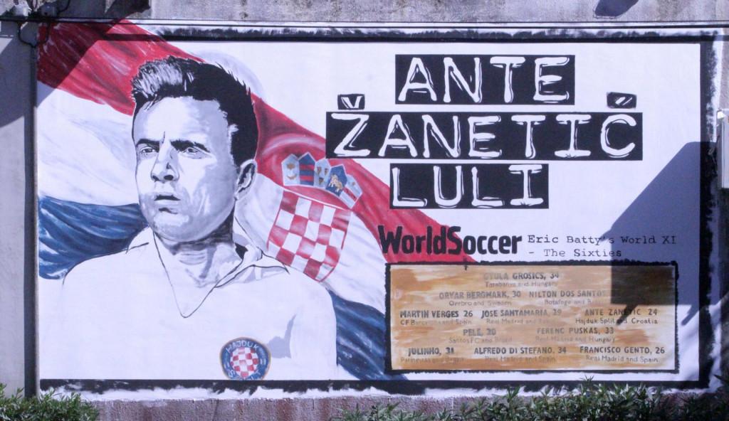 U Blatu su 2017. godine napravili veliki mural u spomen na legendarnog nogometaša Antu Žanetića, te njegov izbor u idealnu momčad svijeta 1960. godine