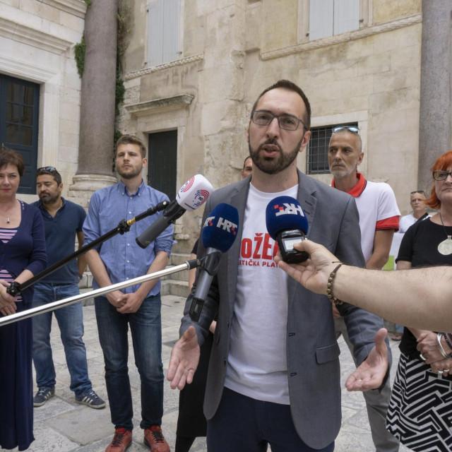 Predstavljanje kandidata lijevo-zelene koalicije Mozemo na Peristilu. Na fotografijiTomislav Tomašević