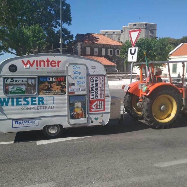 Traktorom na odmor u Dubrovnik