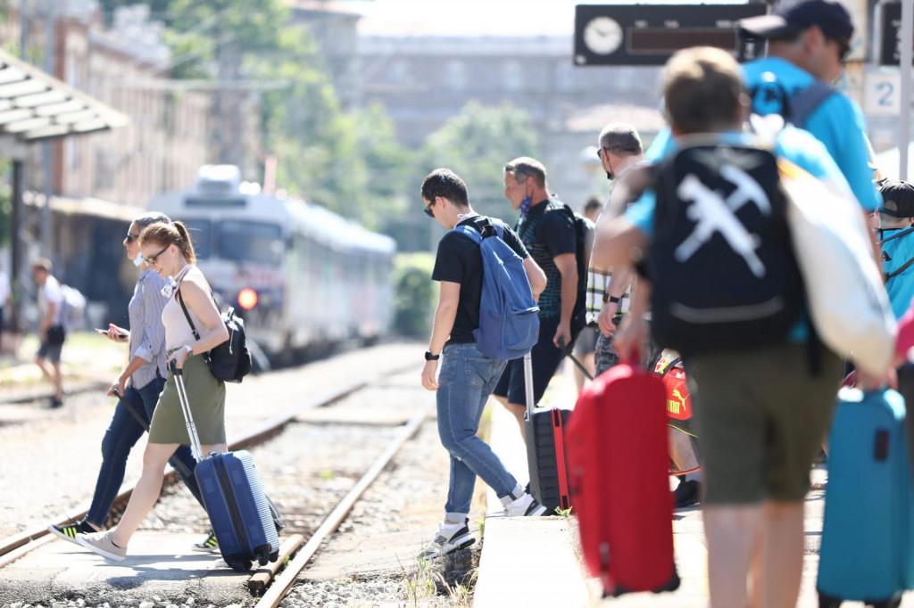 Prvi turistički vlak češke tvrtke RegioJet dovezao je putnike na riječki željeznički kolodvor.<br />