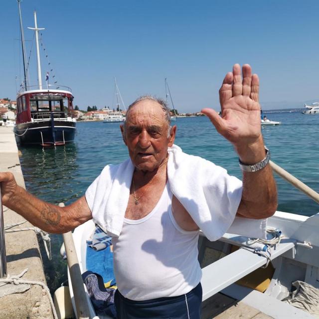 Šime Sorić, legenda Preka i Školjića, prije samo mjesec dana vezao je brod za kraj... Adio barba Šime!