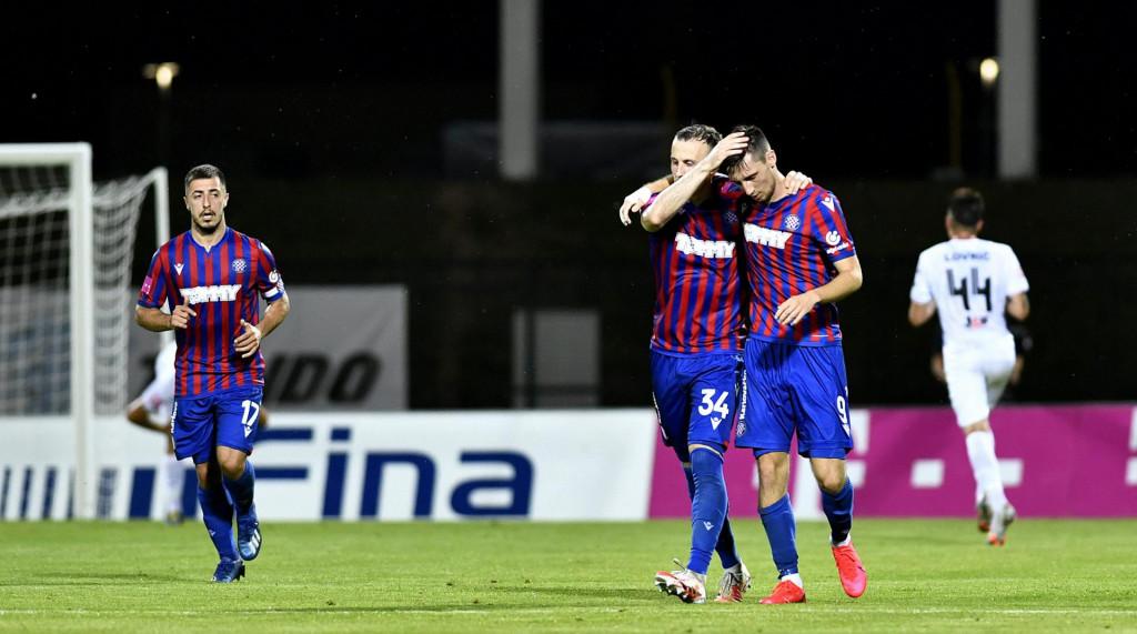 Ardian Ismajli čestitao je u Velikoj Gorici Marinu Jakolišu prvi gol u dresu Hajduka, bio je to jedini svijetli trenutak utakmice