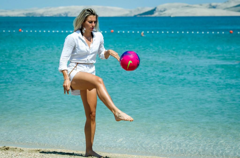 Mia Kalašić, nogometasica Orobica Bergamo provodi godisnji odmor u Pagu prije nastupa na finalnom izboru za Miss sporta.<br />