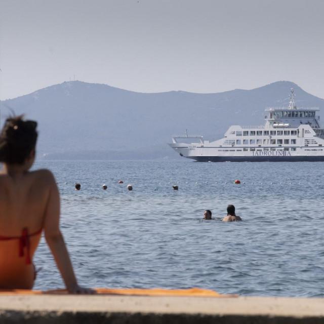 Primopredaja novog Jadrolinijinog trajekta Ugljan u luci Gazenica. Trejekt proizveden 2009. godine i vrijedan 3 milijuna eura ploviti ce na liniji Zadar -Preko.<br />