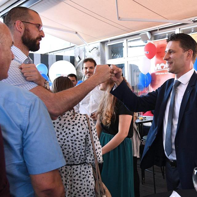 Zagreb, 050720.<br /> RougeMarin.<br /> Pracenje rezultata parlamentarnih izbora 2020. godine u stozeru stranke Most.<br /> Na fotografiji: Bozo Petrov.<br />