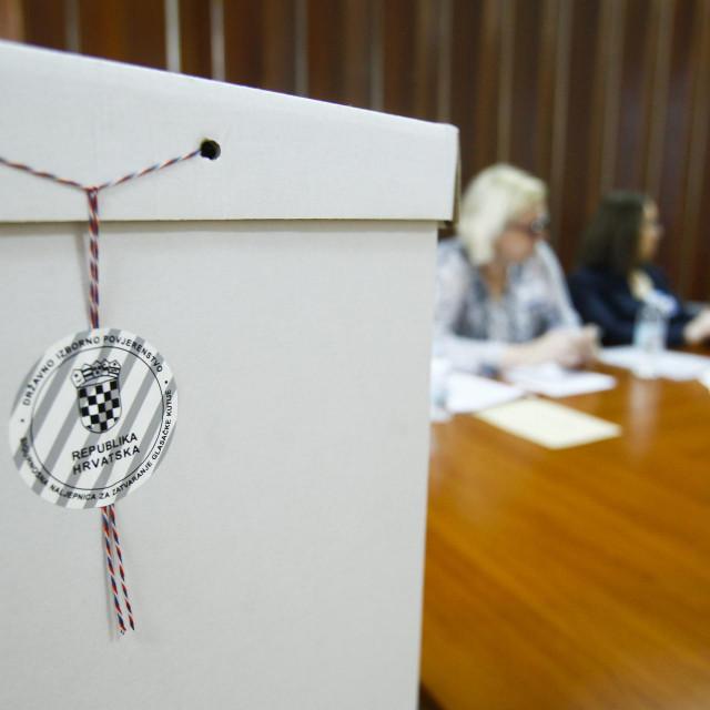 Od 7 sati otvoreno je 7000 birališta diljem Lijepe naše