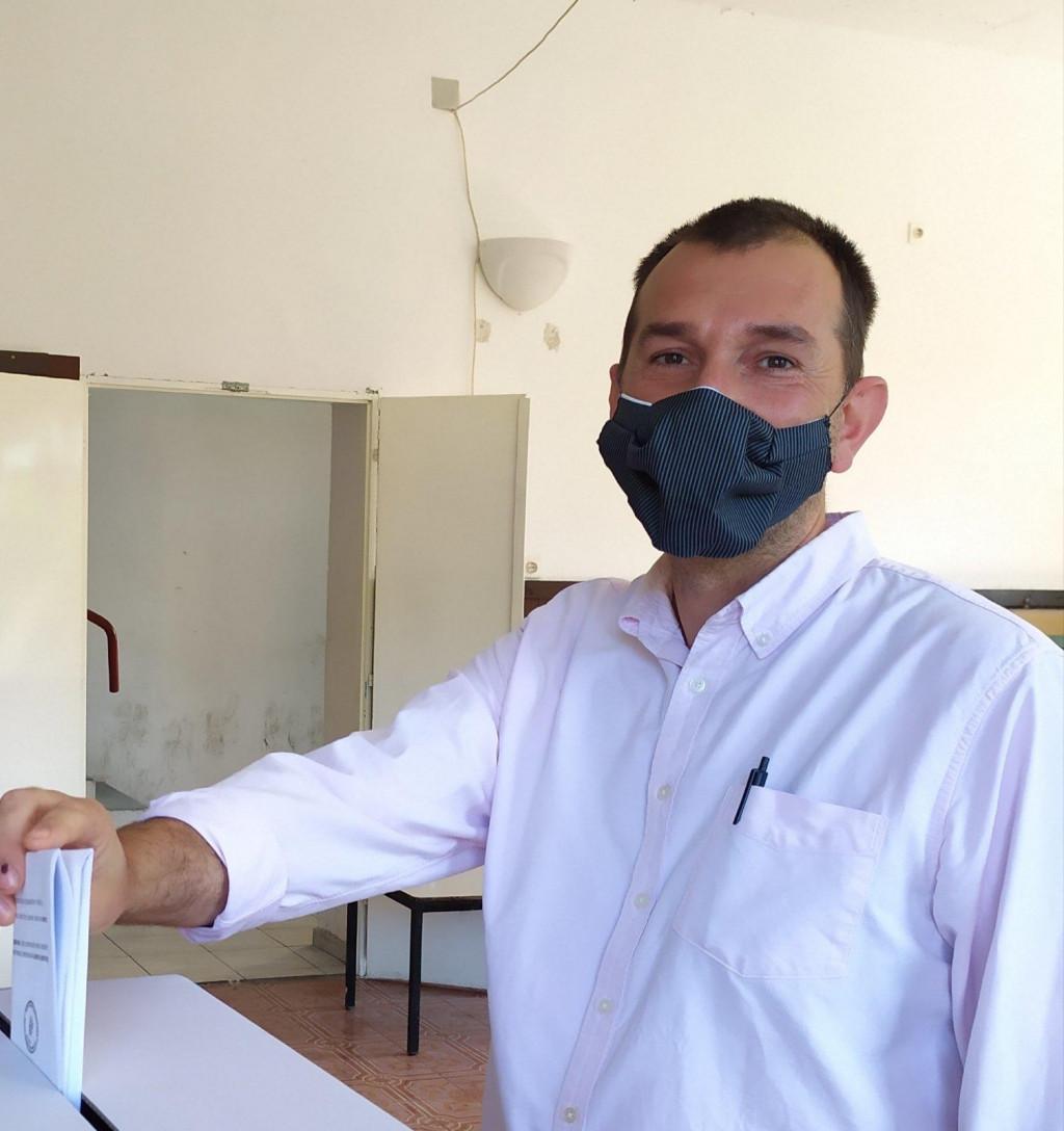 Drugi kandidat s liste 'Možemo!' Đuro Capor glasovao je u Konavlima