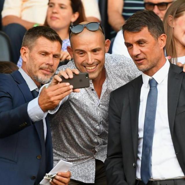 Nakon Zvonimira Bobana klub na kraju sezone napušta i Paolo Maldini