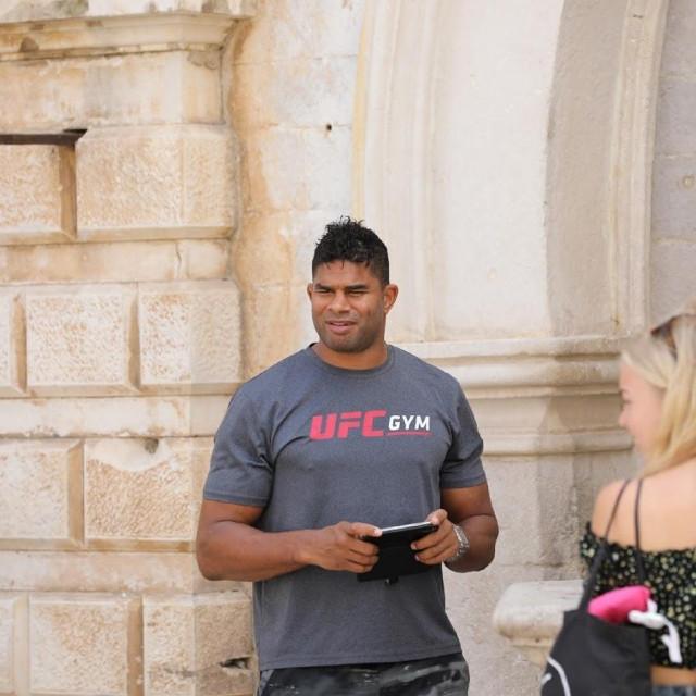 Proslavljeni MMA borac Alistair Oveerem ljetuje u Gradu