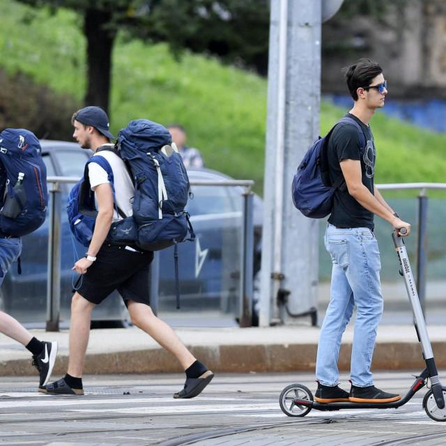 Zagreb, 130819.<br /> Elektricni romobili su sve popularnije prijevozno sredstvo na gradskim ulicama.<br />