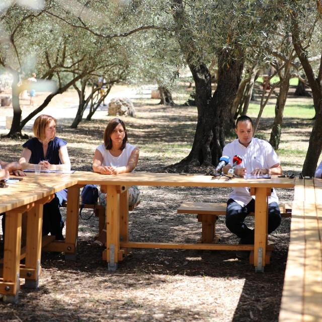 Sastanak Upravnog vijeća JU Rezevat Lokrum pod maslinama