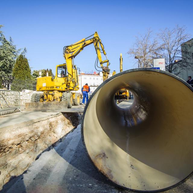 Sibenik, 260117.<br /> Zbog radova na vodovodnoj i kanalizacijskoj mrezi zatvorena je ulica Vladimira Nazora u centru grada<br />