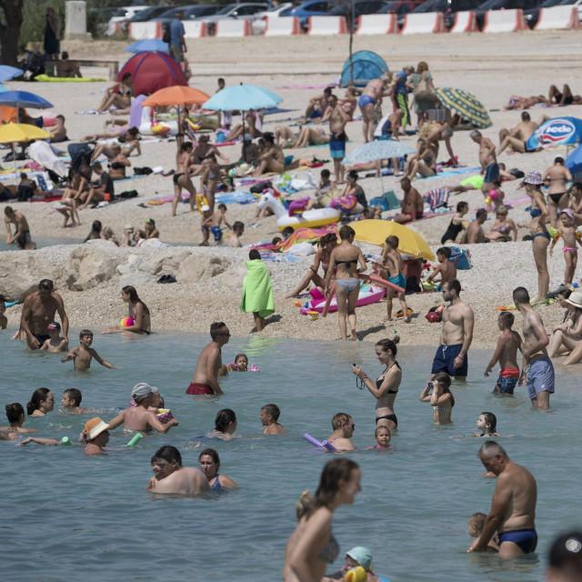 Najveća gradska plaža i ovakva, neuređena, vrlo je popularno odredište svih generacija