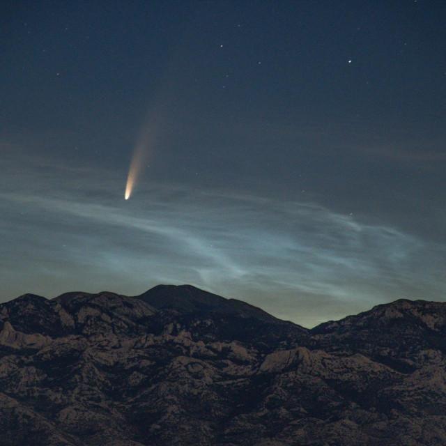 Komet C/2020 F3 Neowise na obzoru iznad Velebita