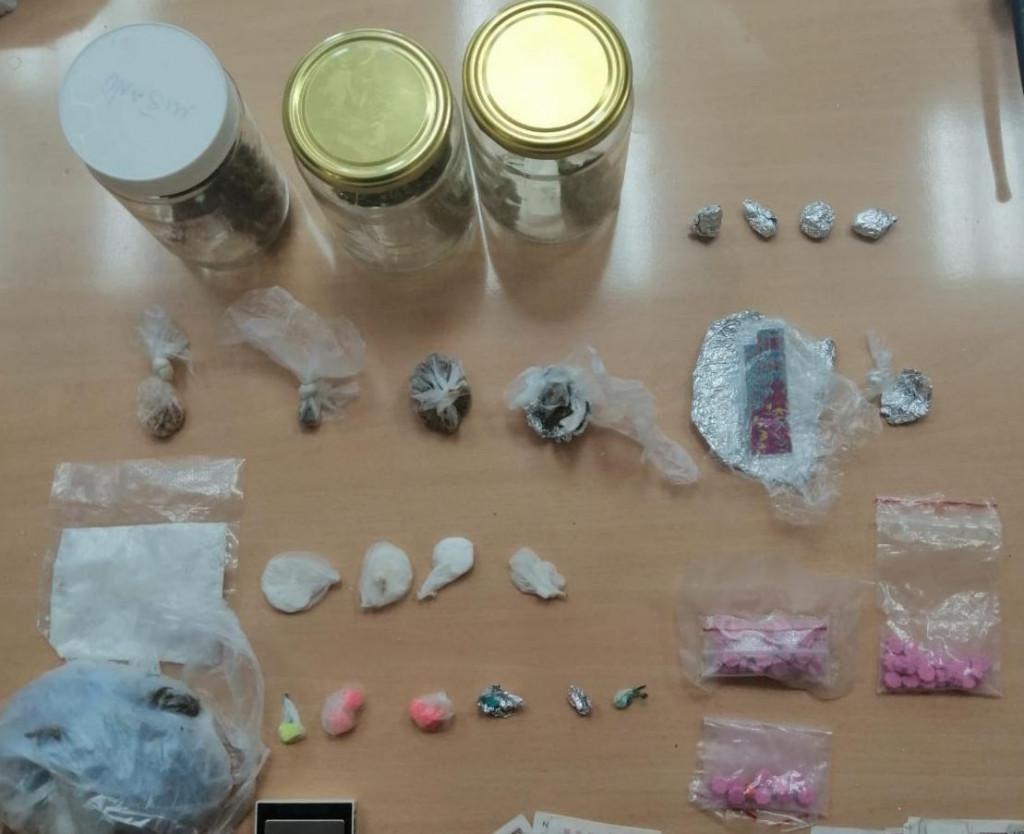 Uredno pakirana i raspoređena droga