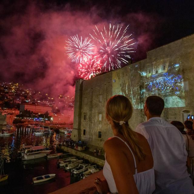 Dubrovnik,100720.<br /> Podizanje zastave Libertas na tvrdjavi sv.Ivan nakon cega je usljedio vatromet.<br />