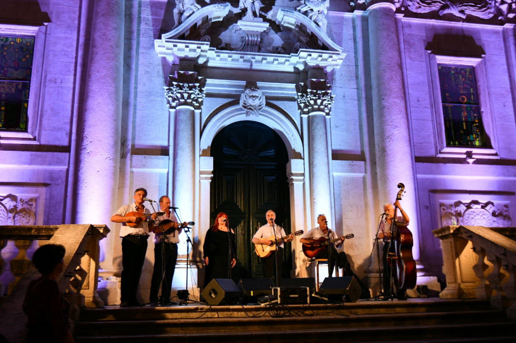 Koncert Klape Ragusa ispred crkve sv. Vlaha