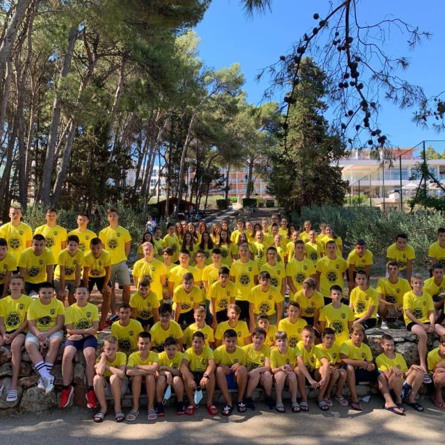 Rukometne legende su u svom kampu okupili 94 mlada igrača