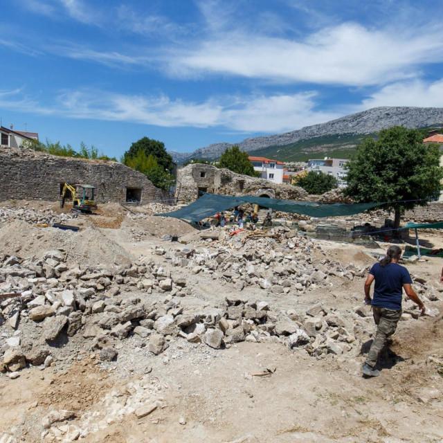 Nakon arheoloških iskapanja slijedi sanacija i konzervacija te prezentacija