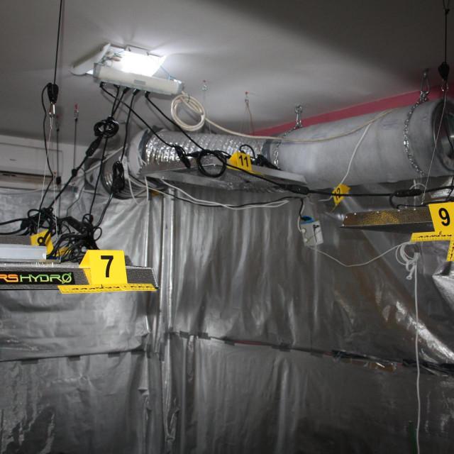Improvizirani laboratorij u stanu u Splitu