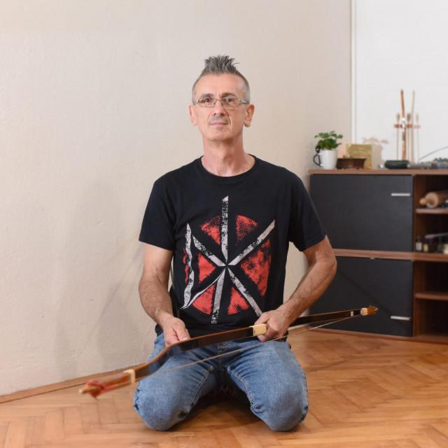 Goran Blažević predsjednik zadarskog Kyudo kluba osim streličarstva bavi se i izradom keramike