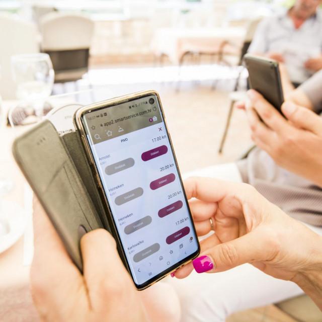 <br /> U restoranu Torcida odrzala se prezentacija aplikacije koju je HOP namjenio ugostiteljima radi jednostavnije narudzbe i dostave hrane izvan restorana u uvjetima epidemije