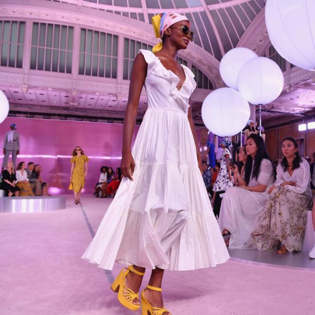 A model walks the runway during the Kate Spade New York Fashion Show during New York Fashion Week at New York Public Library on September 7, 2018 in New York City. (Photo by Angela Weiss/AFP)