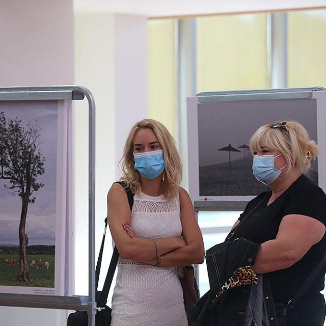 U Šibeniku otvorena izložba fotografija 'Volim svoju županiju'