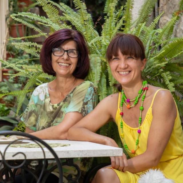 Zdenka i Marijana Stipčić:Sve vam ovdje ima svoju priču. Ružu je posadio susid, ali ne smim reći zašto...