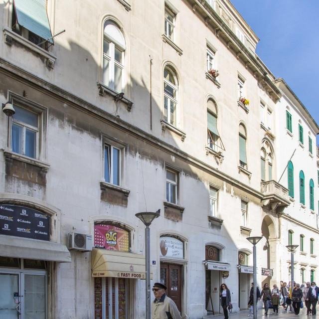 Oko atraktivne zgrade u Marmontovoj 1 vodi se pravna bitka između sindikata i države