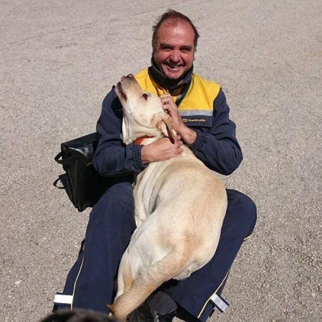 Željko Belin, trpanjski poštar kojeg psi obožavaju