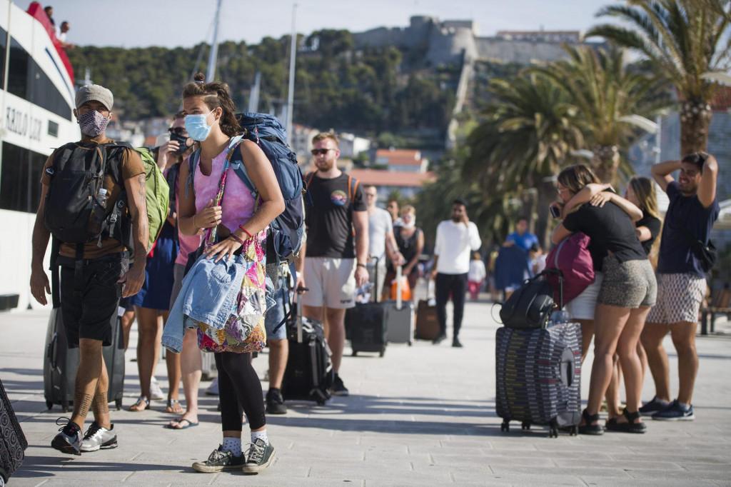 Turizam u Hvaru za vrijeme pandemije koronavirusa<br />
