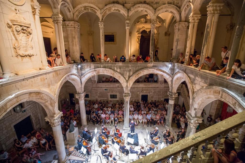 Koncert posvećen Beethovenu održat će DSO s pijanistom Marijanom Đuzelom, a pod dirigentskom palicom Nil Venditti