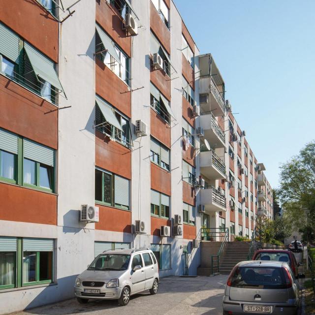 Čitateljica kaže da je majku koja je u Domu u Vukovarskoj ulici teško može čuti na telefon jer na katu imaju jedan telefon koji nije bežični<br />