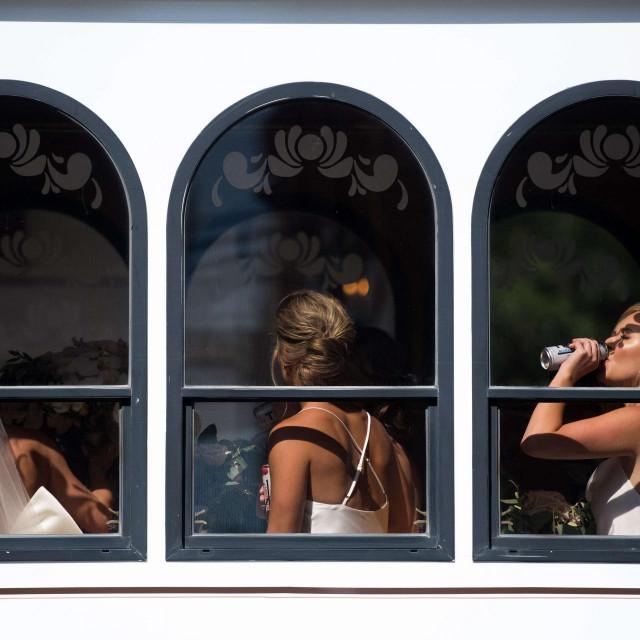 Mladenci diljem svijeta muku muče s vjenčanjima i brojem uzvanika