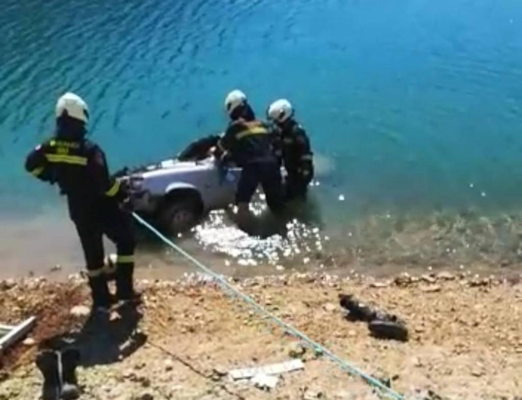Akcija spašavanja unesrećenog vozača