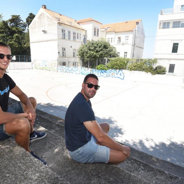 Na fotografiji: (s lijeva) Donat Vidov, predsjednik Zadarske ljetne lige i Tomislav Kabić predsjednik KK Diadora.<br />
