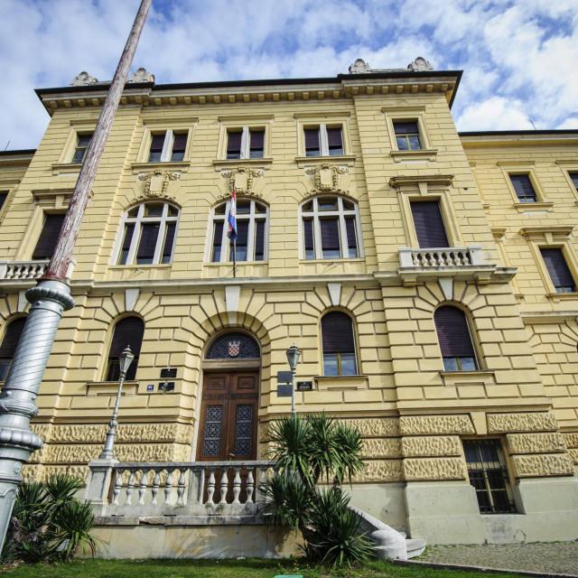 <br /> Na fotografiji: zgrada Zupanijskog i Općinskog suda u Šibeniku<br />