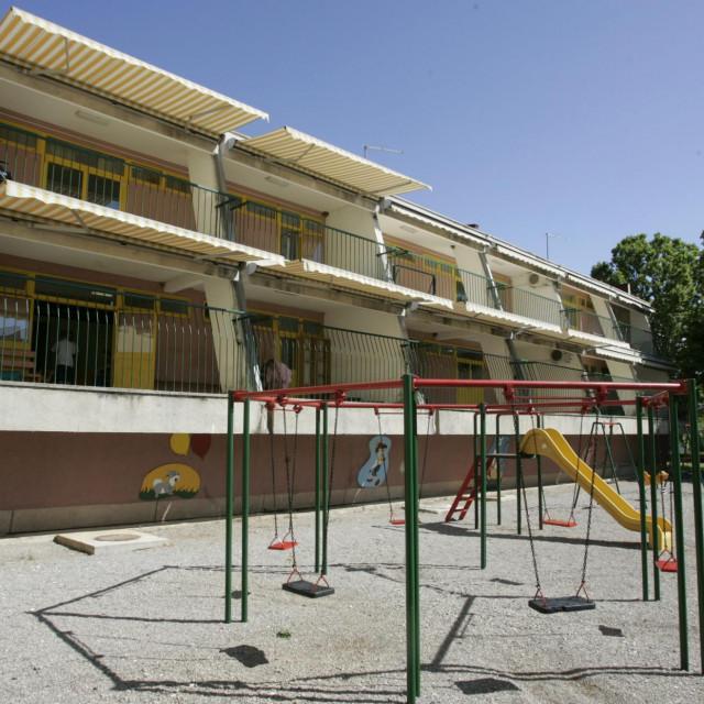 Centar za rehabilitaciju 'Fra Ante Sekelez' u Vrlici skrbi o osobama s posebnim potrebama i broji 180 štićenika