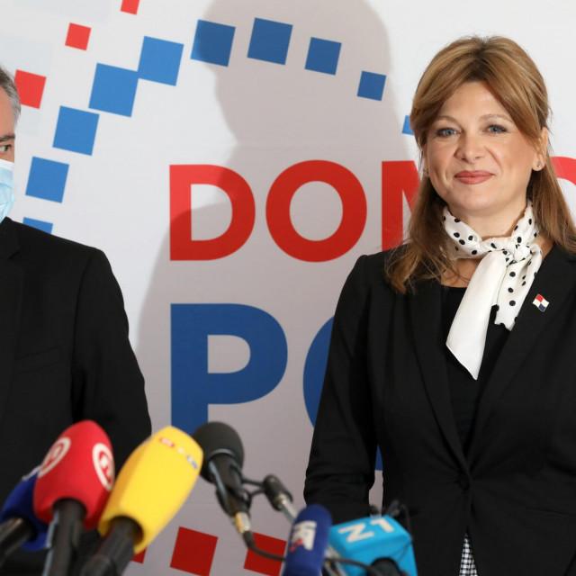 Saborska zastupnica Domovinskog pokreta Karolina Vidović Krišto ustvrdila je da je nošenje maski - štetno?!