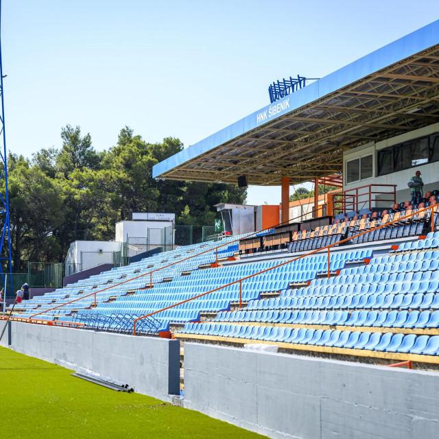 <br /> Ciscenje i uredjenje stadiona Subicevac uoci utakmice finala Kupa RH Rijeka - Lokomotiva koja se igra u subotu.<br />